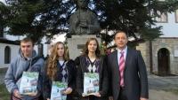 """Възпитаници на СУ """"Васил Левски"""" са новите стипендианти на Сдружението"""